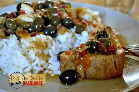 Recette du roti dinde à la basquaise avec des poivrons congelé de cet été, des olives du jardin, des tomates confites, du soleil - Kaderick en Kuizinn©2013