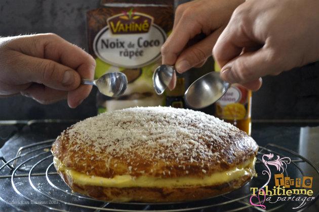 Recette tarte Tahitienne comme une tarte Tropezienne mais à la mangue, fruits de la passion et noix de coco avec les produits Vahiné® - Kaderick en Kuzinn©