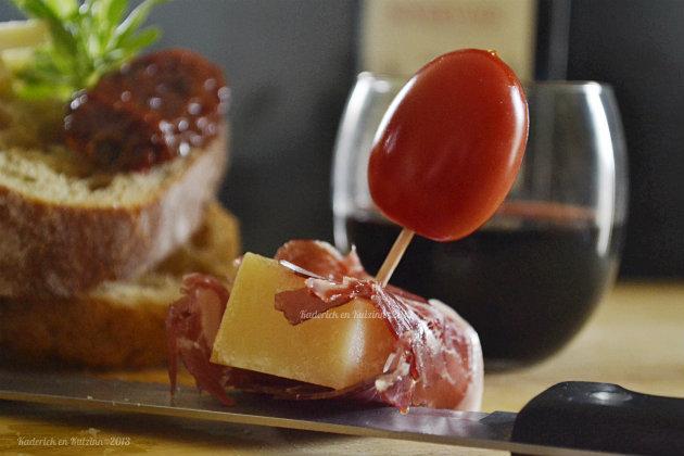 Degustation apéro et tapas avec du jambon Joselito® sur du pain de campagne avec du Manchego - Kaderick en Kuizinn©2013