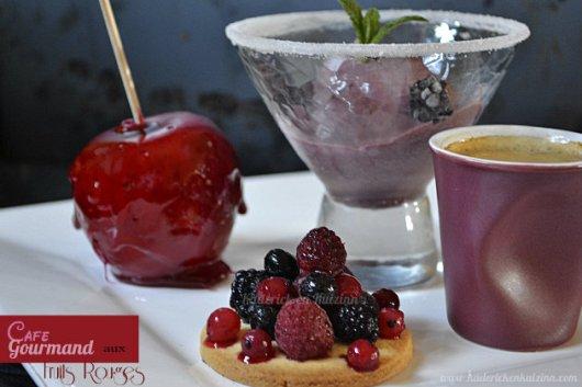 Recette du cafe gourmand aux fruits rouges avec sablé, glace et pomme d'amour - Kaderick en Kuizinn©