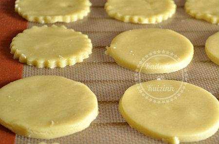 Pâte sablée pur beurre fait maison pour les tartes ou en sablés