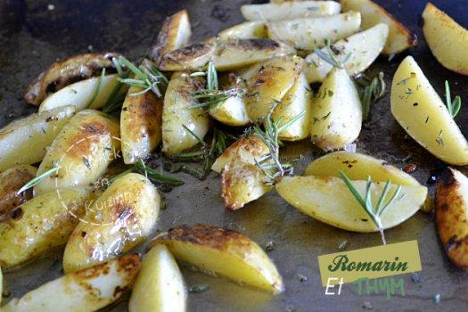 Potatoes de pomme de terre à la plancha avec romarin et thym