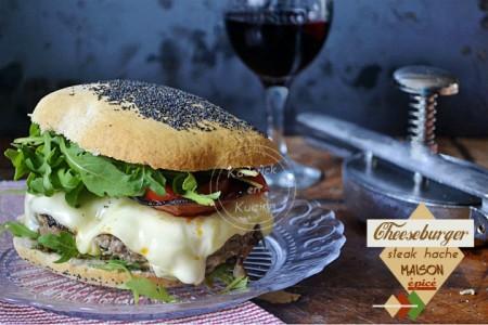 Recette plancha snacks cheeseburger au steak haché fait maison et épicé