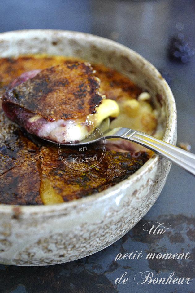 Dégustation de la crème catalane vanille et confiture de mûres maison