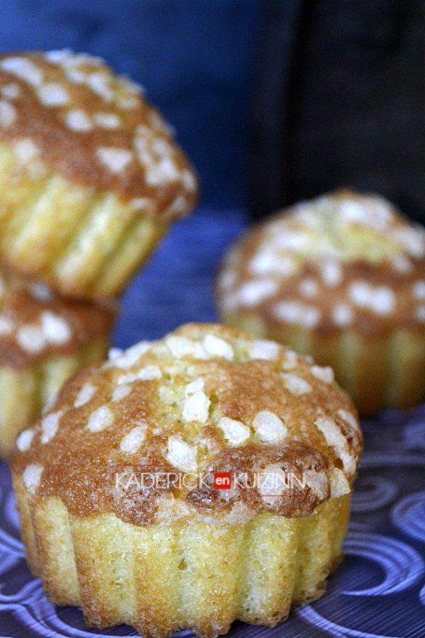 Dégustation madeleines en forme de muffins à la vanille façon chouquette