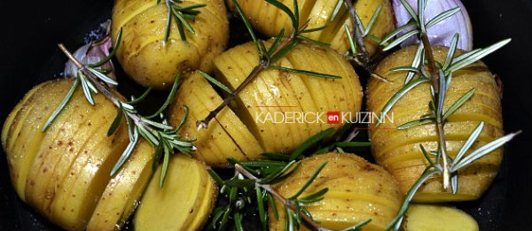 Cuisson pomme de terre suédoise hasselback romarin, échalote, ail - recette express