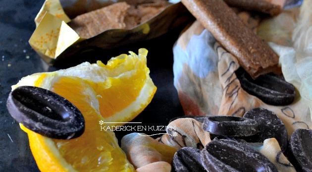 Ingrédients mousse aux 2 chocolats, segments d'orange, crêpes dentelles - Recette express