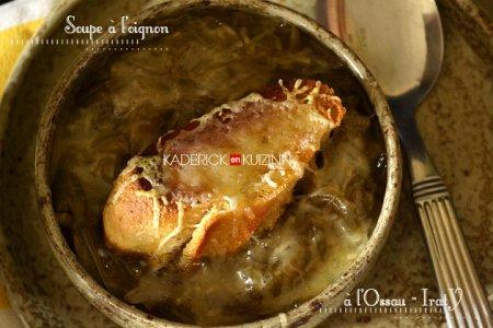 Présentation soupe à l'oignon bio et croûtons recouverts d'Ossau-Iraty - recette de fromage