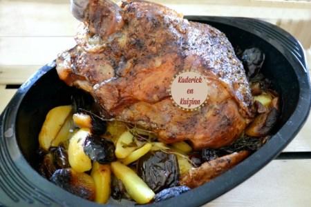 Agneau confit - Recette sucrée-salée d'épaule d'agneau cuite à la rôtissoire pour fêtes de Pâques