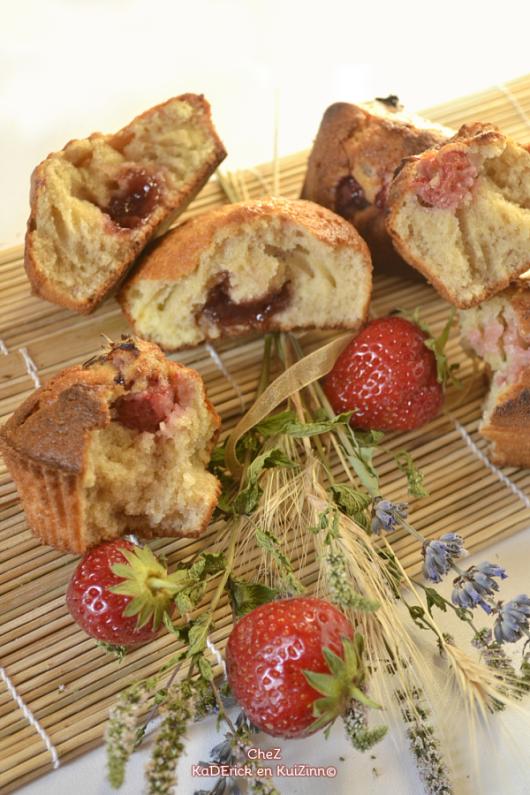 Dégustation madeleine fourree - Madeleine confiture fraises mures chez Kaderick en Kuizinn©