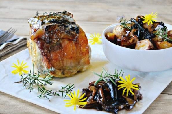 Rôti de porc roulé cuit entier four farci fromage légumes