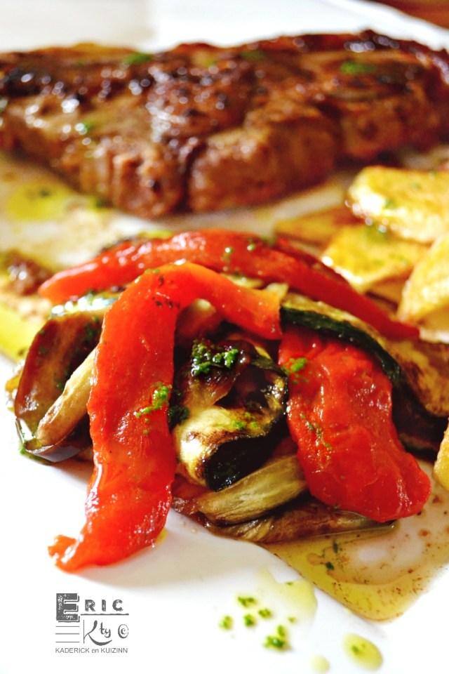 Tranches légumes grillés plancha sauce verte coriandre - Kaderick en Kuizinn