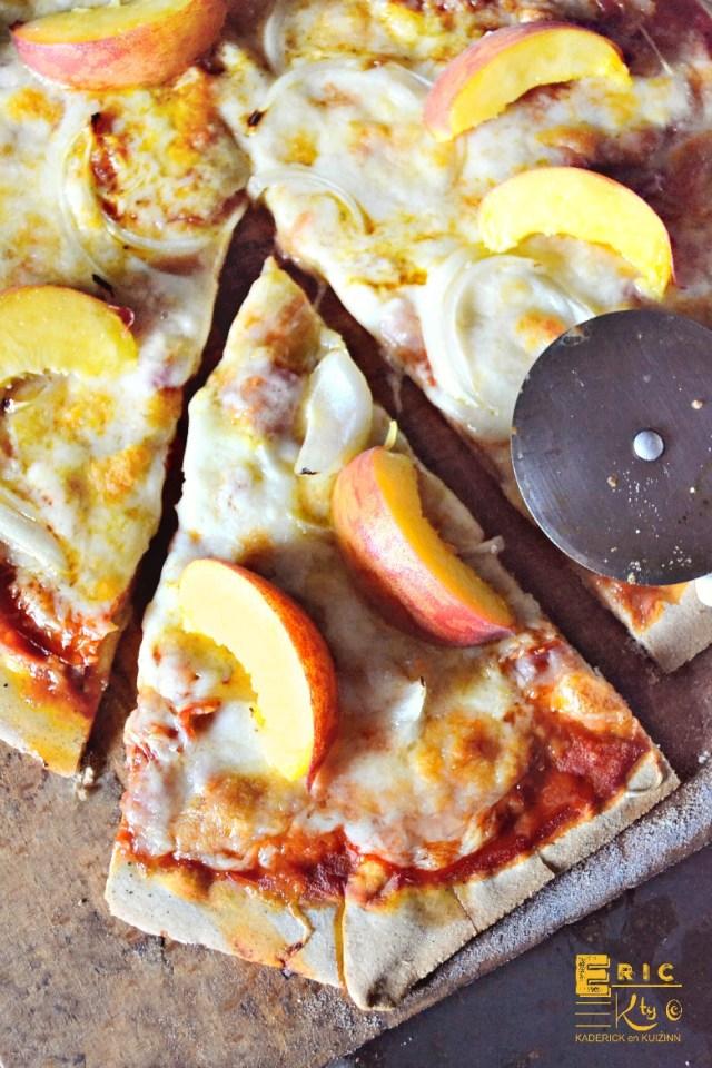 Pizza été nectarines crues pâte pizza faite maison - Kaderick en Kuizinn