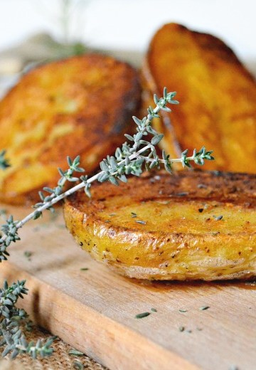 Pommes de terre au four rissolées thym et romarin | Kaderick en Kuizinn