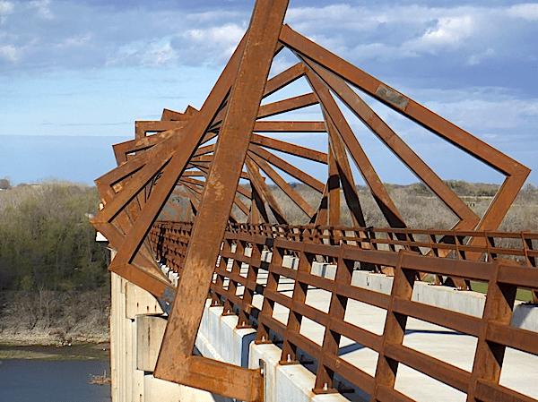 high trestle trail bridge,