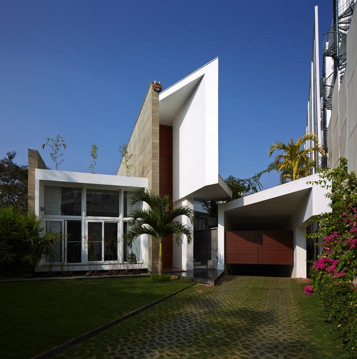 Modern Architecture Home Design: Contemporary Design Of Modern Fort House By SPA, India