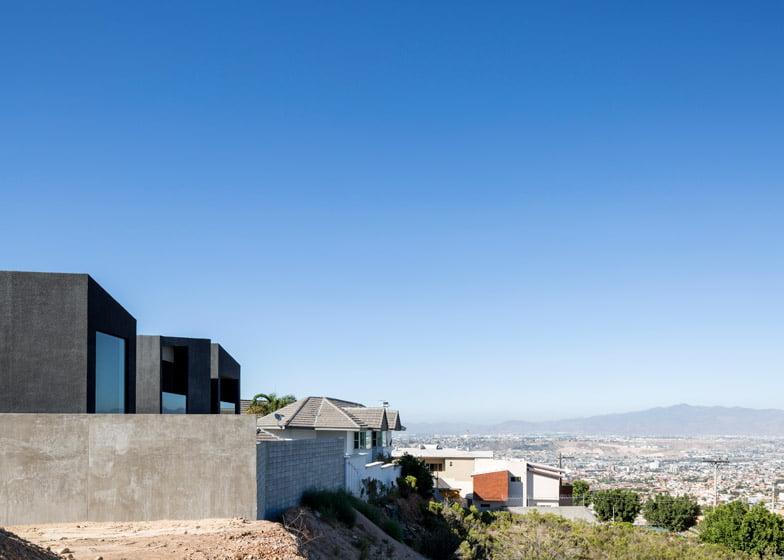 stucco house,