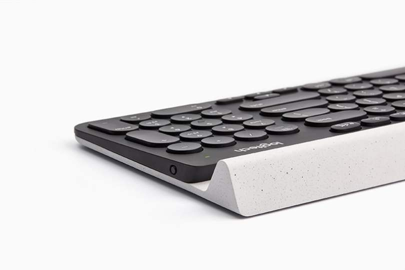 Rubber cradle with fine speckled finish in logitech K780