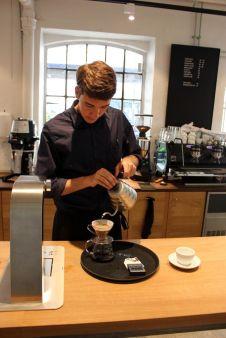 Barista Kim Pløhn © Kaffebloggen.dk