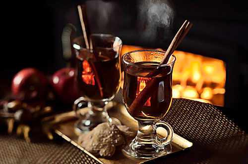 Photo & source: sweethappylife.com Website w/ recipe for hot mulled apple cider at http://www.sweethappylife.com/2011/easy-family-recipes/mulled-apple-cider/