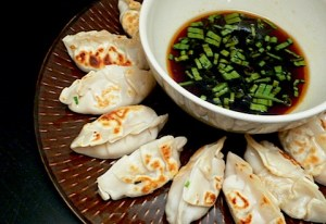 Shrimp fried dumplings and asian dipping sauce. Photo and source: seductionmeals.com (website link to page with recipe embedded within).
