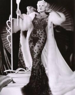 Mae West via cinechronicle.com