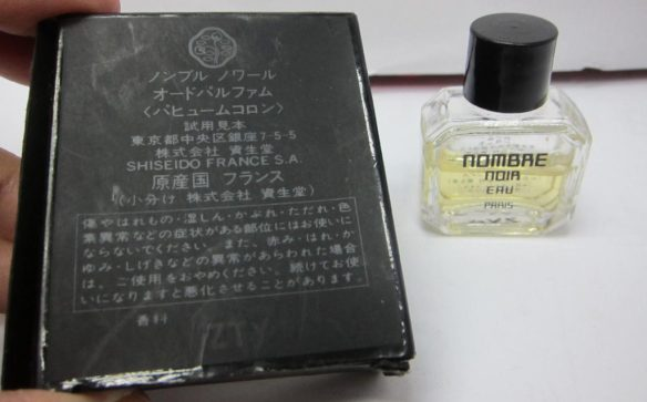 "Nombre Noir in its Japanese. Photo: eBay seller, ""pinkyshop617.. [Photo lightly cropped by me.]"