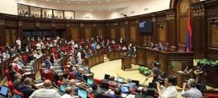 Ermenistan'da seçim rüzgarı: Başkan yürütme yetkisini kime devredecek?