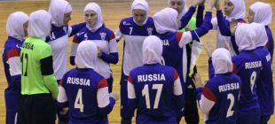 Женская сборная России сыграла в хиджабах