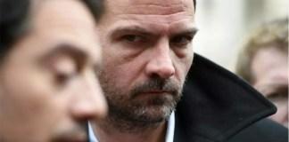 Jérôme Kerviel (D) et son avocat David Koubbi devant le tyribunal à Paris, le 18 janvier 2016