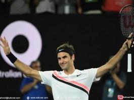 Le Suisse Roger Federer savoure sa victoire face au Tchèque Tomas Berdych en quarts de finale de l'Open d'Australie, le 24 janvier 2018 à Melbourne