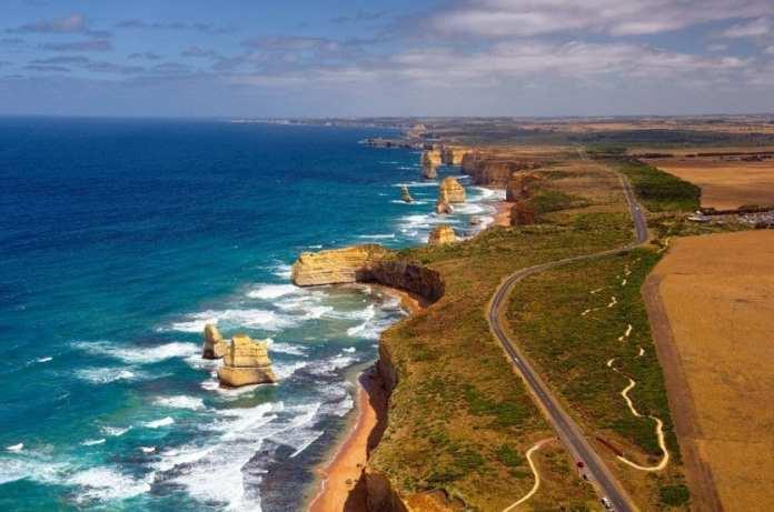 8. « GREAT OCEAN ROAD » (AUSTRALIE) - Longeant la côte sud-est de l'Australie