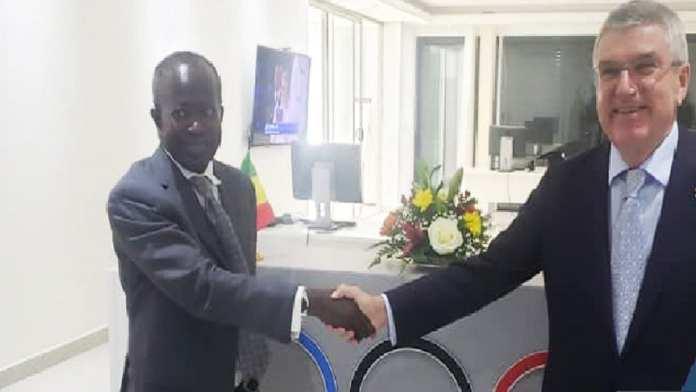 Signature d'un accord de partenariat entre le CNOSS et le Comité Olympique Français