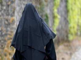La religieuse, âgée de 40 ans, s'est dite dévastée par son départ et la fermeture du couvent.