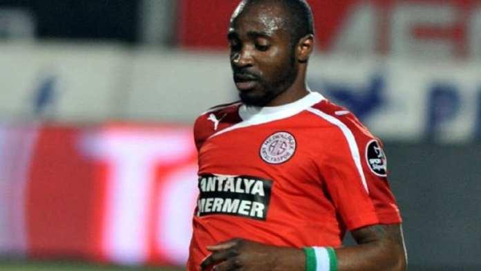 Isaac Promise , footballeur nigérian, 31 ans