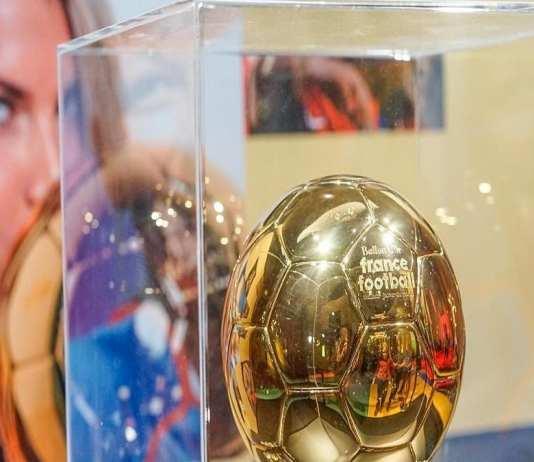 Ballon d or france football presente pour la premiere fois au public a la cite des sciences et de l'industrie