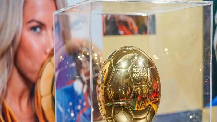 Ballon d or france football presente pour la premiere fois au public a la cite des sciences et de l'industrie