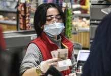 Livreur, caissière, boulanger... Comment se protéger contre le coronavirus - Le gouvernement publie des consignes par métier