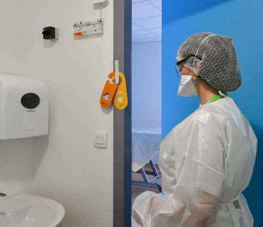 Les malades du coronavirus sont pour certains hospitalisés dans les services de médecine infectieuse des hôpitaux. / © GOT OLIVIE/maxPPP