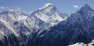 La Roche de la Muzelle, sur le massif des Ecrins en Isère. - -