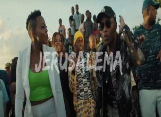 Le duo Nomcebo Zikode (à gauche) et Master KG dans le clip du tube sud-africain Jerusalema qui fait désormais danser partout dans le monde.