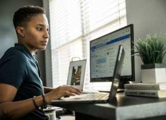 En télétravail, les salariés travaillent 48 minutes de plus par jour qu'au bureau