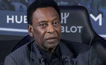 Le roi Pelé hospitalisé à Paris