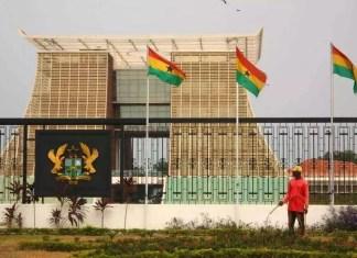 Ghana l'armée intervient au sein du Parlement en pleine session à Accra