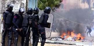 chez sonko entre militants et les forces de l'ordre