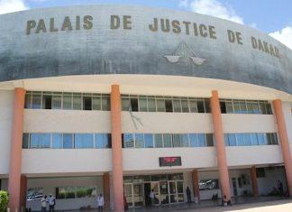 Accusé d'usurpation de fonction et d'extorsion de fonds www.kafunel.com le faux gendarme réclamait 20 000 FCfa à des camionneurs