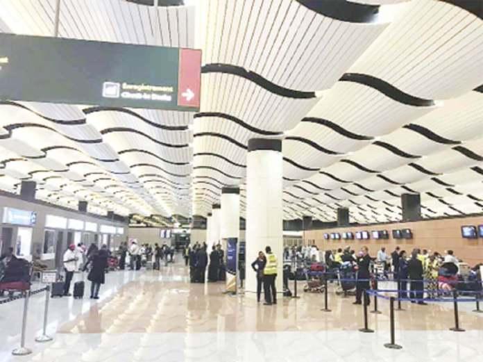 Plan stratégique hub aérien www.kafunel.cm Le Ministère du Tourisme convie les partenaires sociaux à la réflexion