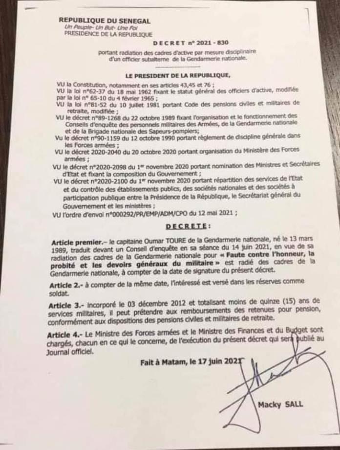 Voici le décret de radiation du Capitaine Touré www.kafunel.com Document