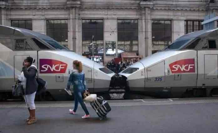 On s'en souviendra de ce trajet www.kafunel.com 8h de retard pour un TGV Toulouse-Paris resté bloqué sur les voies