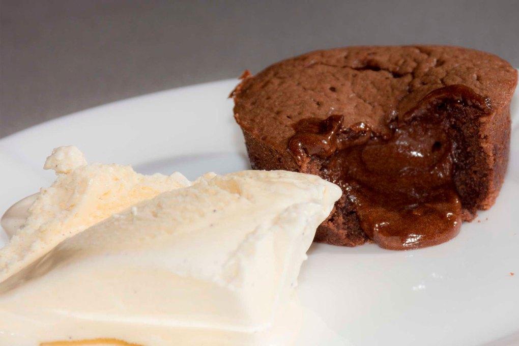 Blødende chokoloadekage